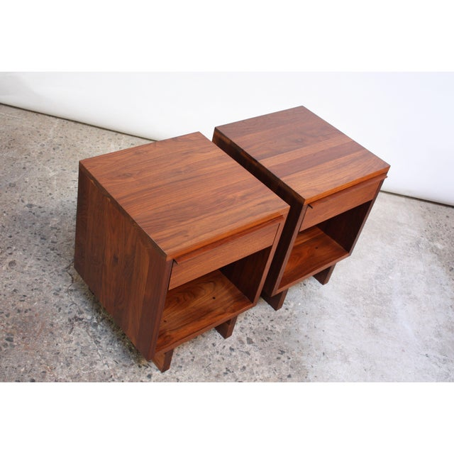 1980s Pair of Vintage New England Solid Walnut Nightstands For Sale - Image 5 of 13