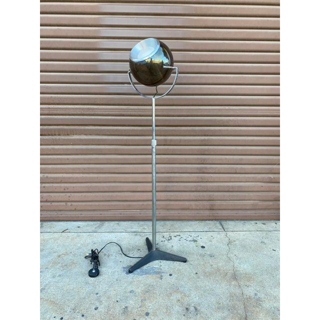 Very groovy mid century modern globe lamp in the style of Frank Ligtelijn for RAAK. Everything is in good working order...