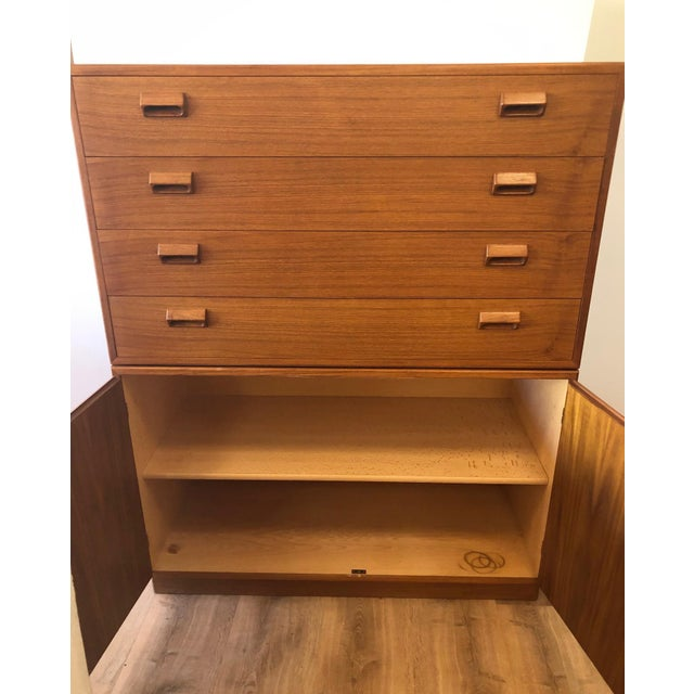 Brown 1960s Mid-Century Modern Soberg Mobler 2 Piece Dresser / Bureau For Sale - Image 8 of 9