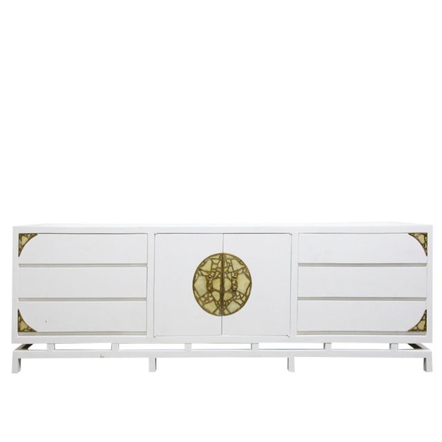 Lacquered Credenza/Dresser by Frank Kyle With Pepe Mendoza Hardware For Sale