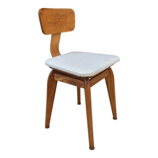 Mid Century Modern Refinished Blonde Swivel Chair For Sale