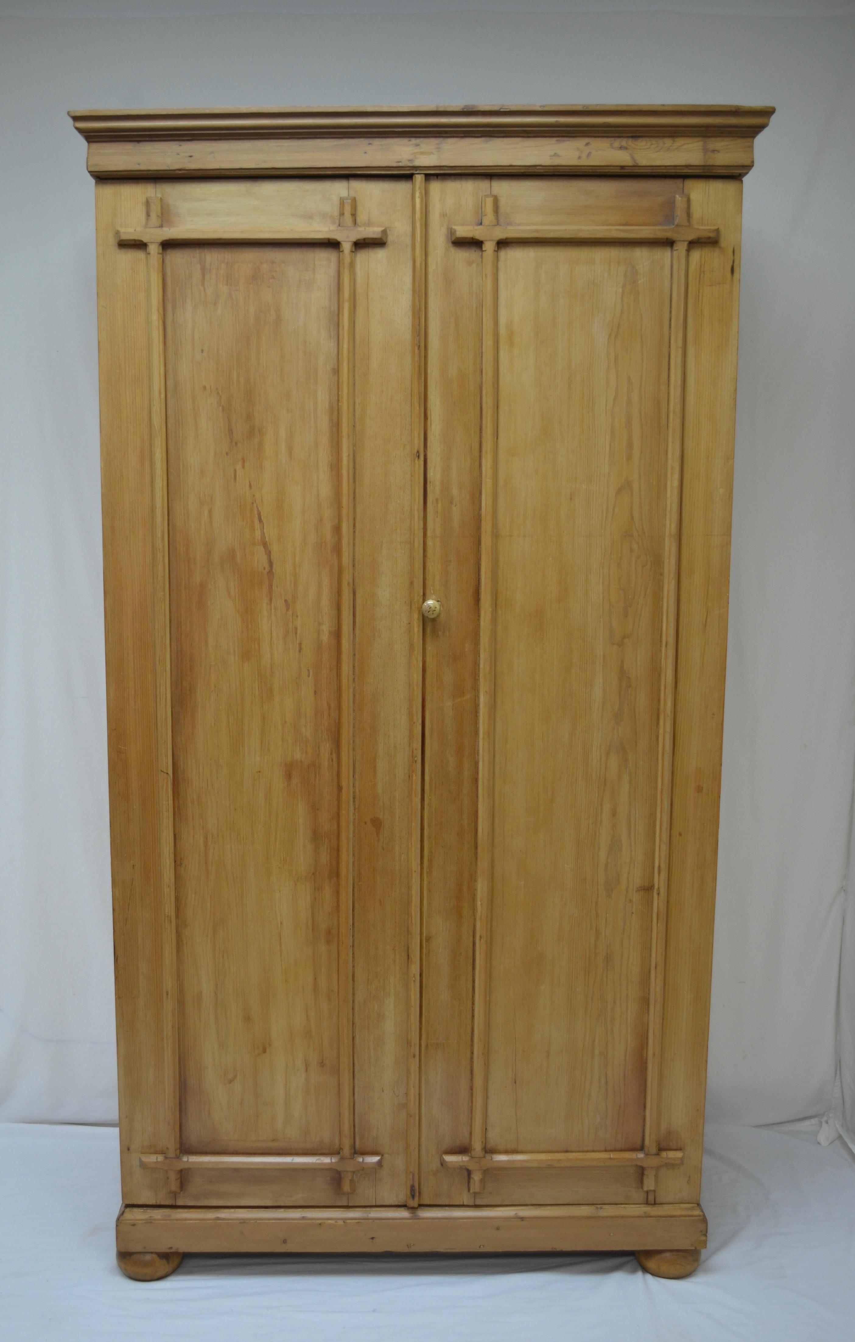 English Pine Two Door Armoire   Image 2 Of 9