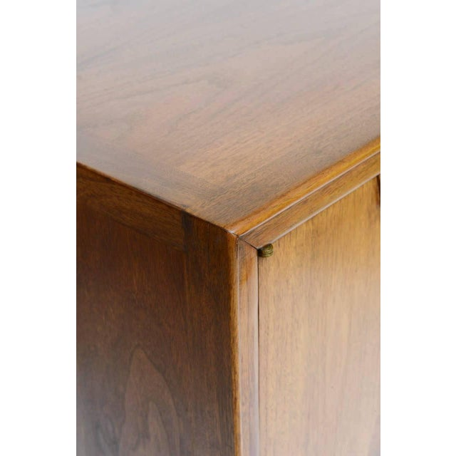 Brown Mid-Century Modern Highboy by John Stuart For Sale - Image 8 of 10