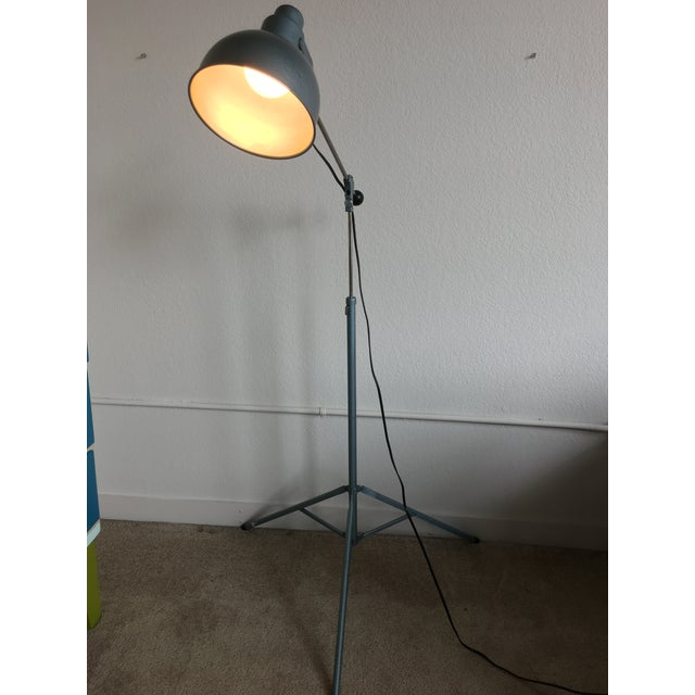 Industrial Vintage Industrial Mid Century Bretford Tripod Floor Lamp Adjustable Stage Light Fixture For Sale - Image 3 of 11