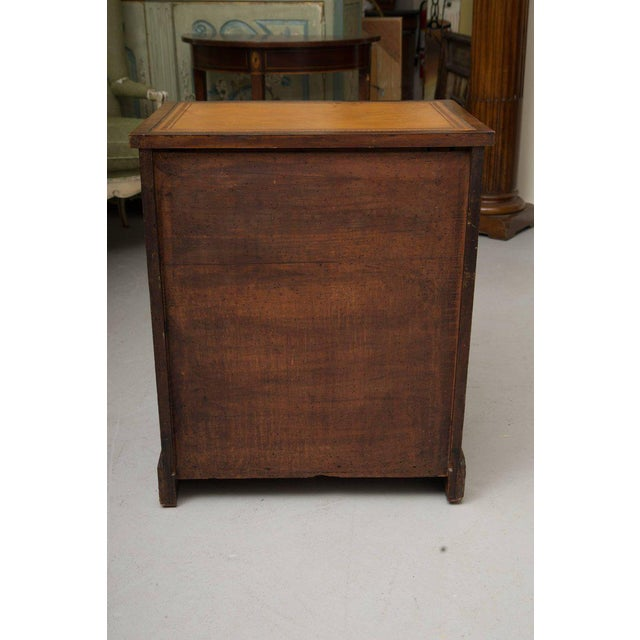 Traditional 19th Century Mahogany Knee Hole Desk For Sale - Image 3 of 8