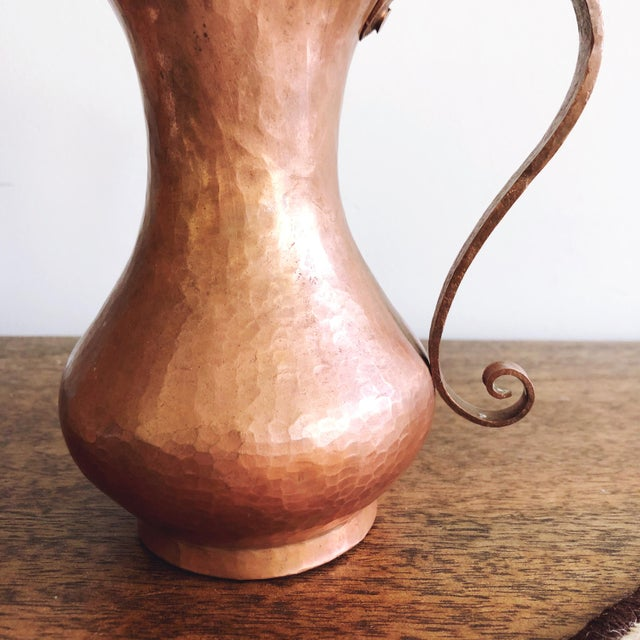 Antique Arts & Crafts Era Hammered Copper Pitcher For Sale In Austin - Image 6 of 7