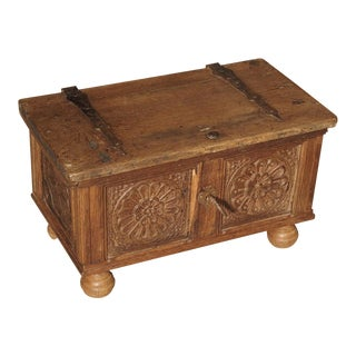 Small Antique Oak Table Trunk From Spain, 17th Century For Sale