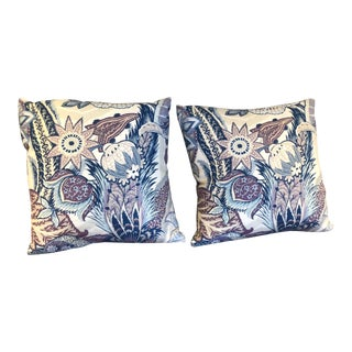 Schumacher Zanzibar Hyacinth Linen Pillows - A Pair For Sale