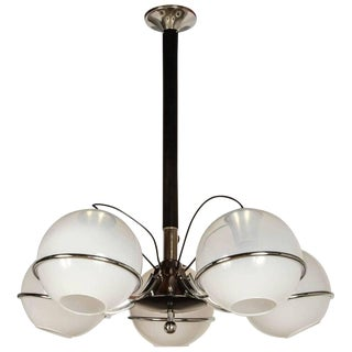 White Frosted Murano Globes on a Chrome Base Chandelier by Gino Sarfatti For Sale
