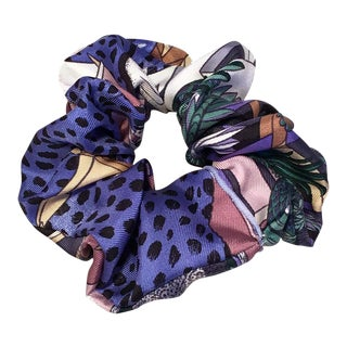 Hermes Handmade Vintage Silk Scarf Scrunchie in Purple, Rose, Black and White For Sale