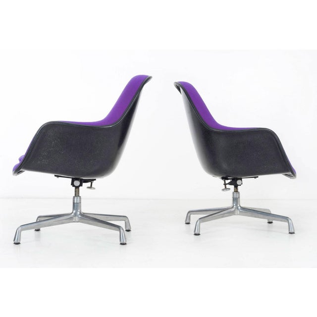 Metal pair of Herman Miller Lounge Chairs For Sale - Image 7 of 11