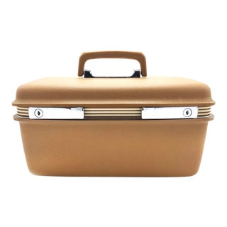 Mid Century Brown Samsonite Silhouette Train Case With Large Mirror, and Inner Storage For Sale