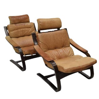 Mid-Century Modern Leather Lounge Chairs - A Pair For Sale