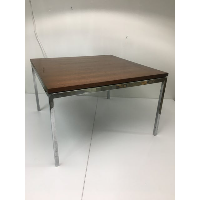 1960s Vintage Mid-Century Modern Walnut Side or Coffee Table by Florence Knoll For Sale - Image 5 of 10