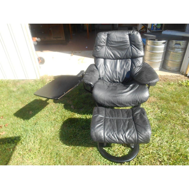 Mid-Century Modern Ekornes Stressless Recliner & Ottoman For Sale - Image 3 of 11