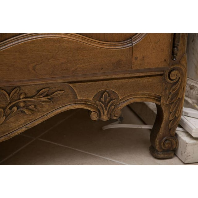 20th Century, French, Louis XV Style Walnut Buffet with Super Structure For Sale - Image 4 of 10