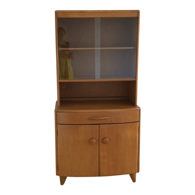 Mid-Century Heywood Wakefield Maple China Cabinet For Sale