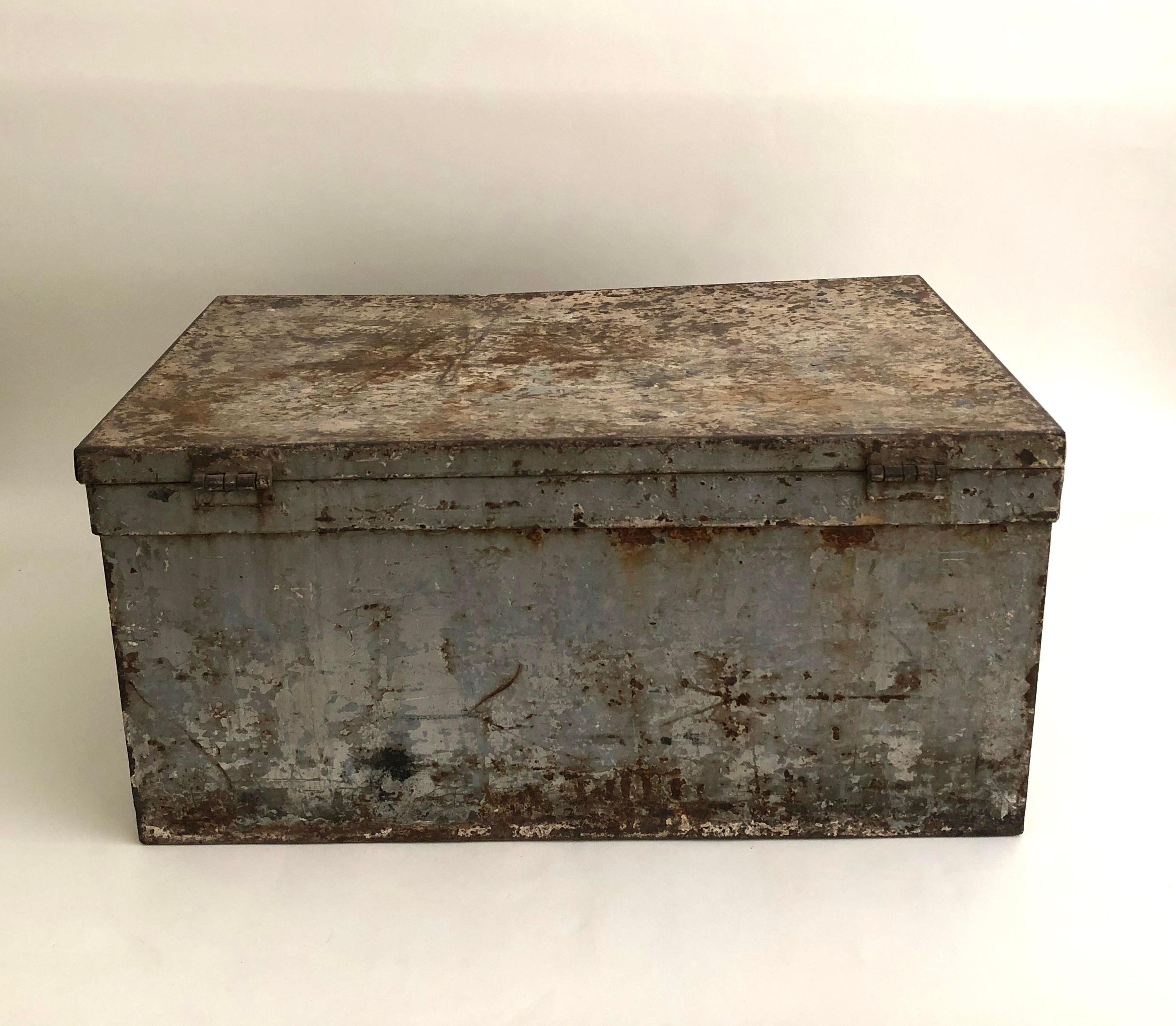 Gentil Americana Vintage Industrial Metal Storage Box For Sale   Image 3 Of 8