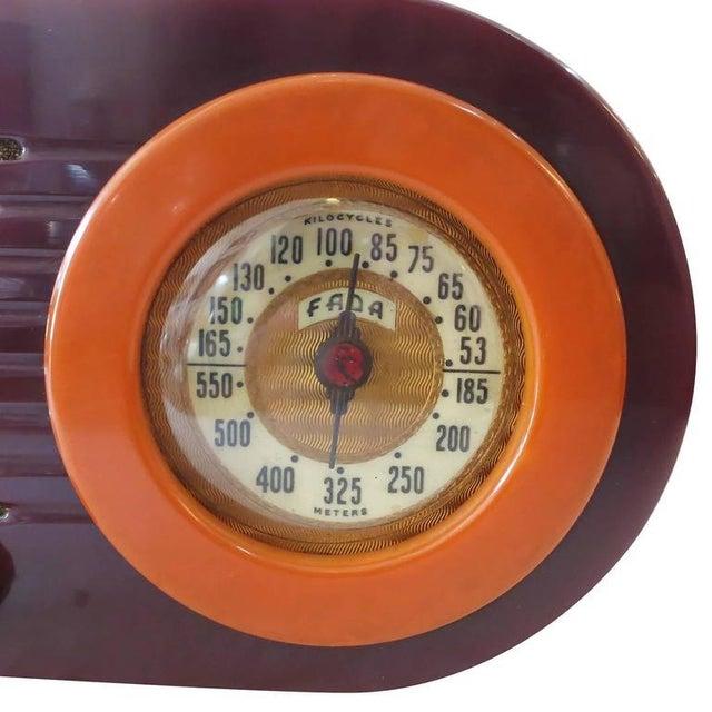 "Fada Model 1000 ""Bullet"" Coffee and Caramel Catalin Tube Radio - Image 2 of 10"