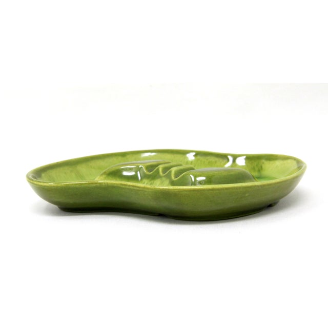 Beautiful vintage new old stock (never used) biomorphic green art pottery ashtray / catchall tray by Maddox of California!...