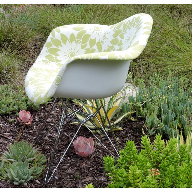 Mid 20th Century Mid-Century Modern Eames Reproduction Green and White Flower Power Fabric Side Chair For Sale - Image 5 of 10