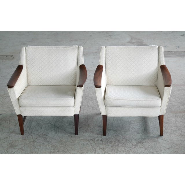 Mid-Century Modern Danish Midcentury Pair of Lounge Chairs in Walnut in the Style of Ole Wanscher For Sale - Image 3 of 10