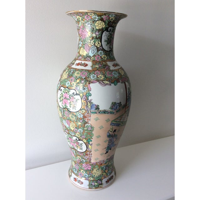 Early 20th Century Famille Rose Medallion Style Porcelain Vase For Sale - Image 5 of 11