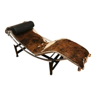 1990s Vintage Le Corbusier Lc 4 Cowhide and Leather Chaise For Sale
