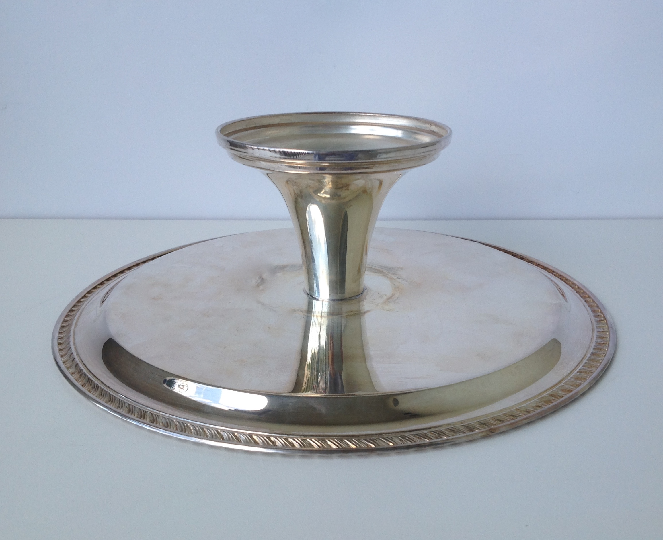 Wm. Rogers Vintage Silver-Plated Footed Cake Stand - Image 8 of 9  sc 1 st  Chairish & Wm. Rogers Vintage Silver-Plated Footed Cake Stand   Chairish