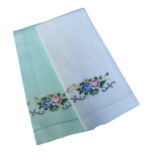 Vintage Embroidered Linen Guest Hand Towels For Sale