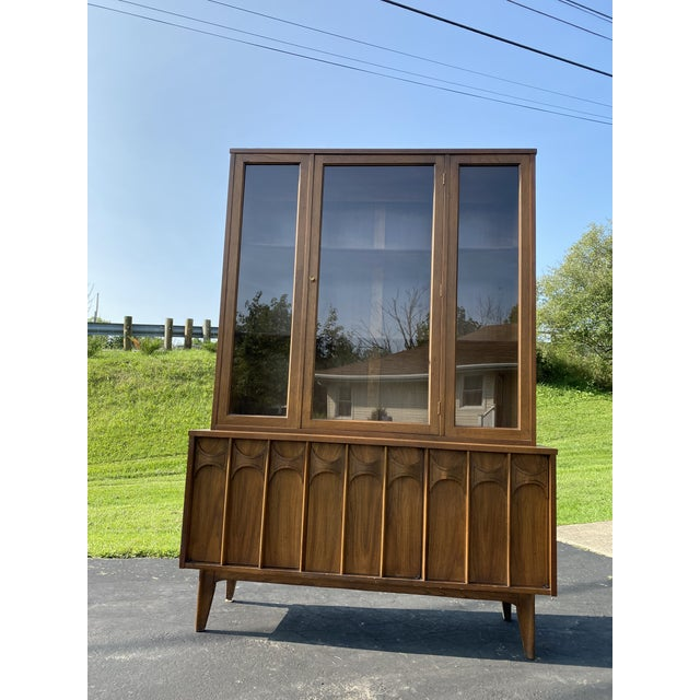 Mid-Century Modern 1960s Mid Century Blowing Rock Industries Kent Coffey Style Pecan Walnut Display China Hutch For Sale - Image 3 of 9