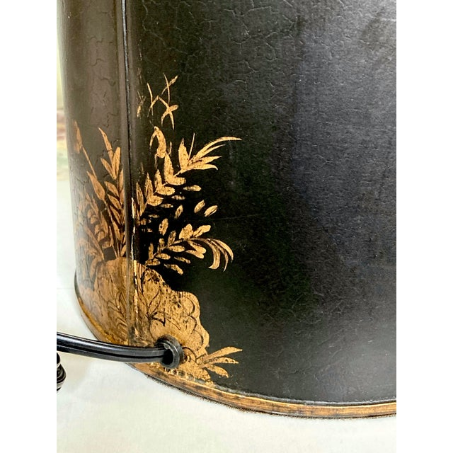 1960s Vintage Black Chinoiserie Tole Lamp For Sale - Image 5 of 9