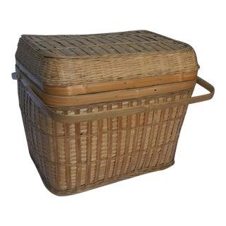 Vintage Traditional Lidded Picnic Basket For Sale