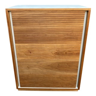 1950s Mid-Century Heritage Henredon Compact Highboy Dresser For Sale