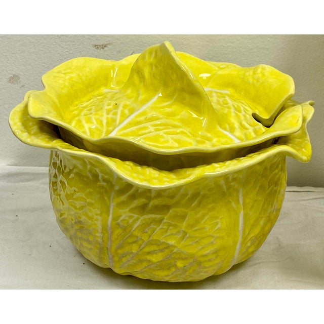 Mario Buatta Style Yellow Lettuce Luncheon Set - Set of 16 For Sale In Atlanta - Image 6 of 12