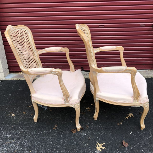 1990s Pair of Vintage Chateau d'Ax Louis XV Bergere French Country Provincial Chairs For Sale - Image 5 of 12
