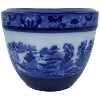 """Early 20th Century Minton Blue and White """"Blue Willow"""" Porcelain Cachepot For Sale"""
