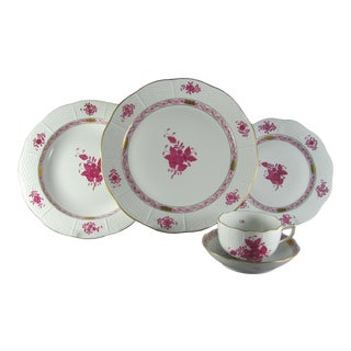 Herend Chinese Bouquet Raspberry Apponyi Service for 4 Dinnerware - 20 Piece Set For Sale