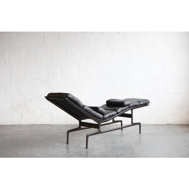 Contemporary Eames Billy Wilder Chaise Lounge For Sale - Image 3 of 7