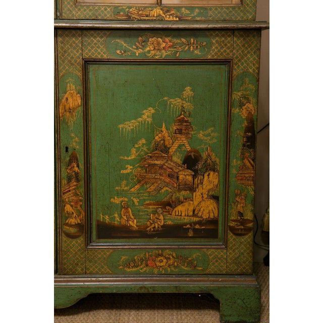 Traditional George III Japanned Bookcase For Sale - Image 3 of 4