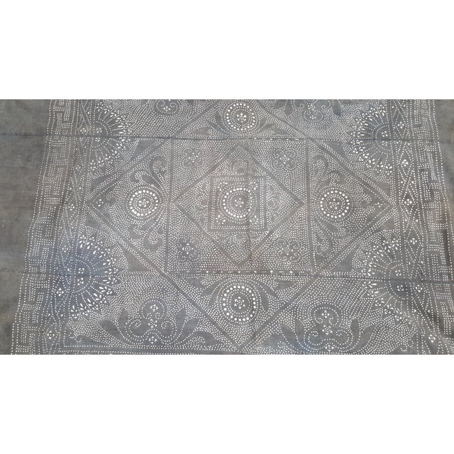 Rare Silver Batik Homespun Panel Throw - Image 5 of 5