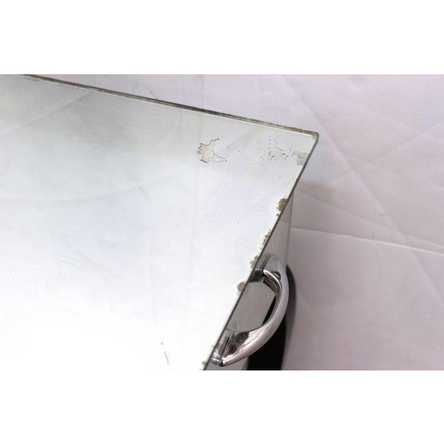 Art Deco 1930s Art Deco Antique Mirrored Surface and Trifold Mirror Vanity For Sale - Image 3 of 10