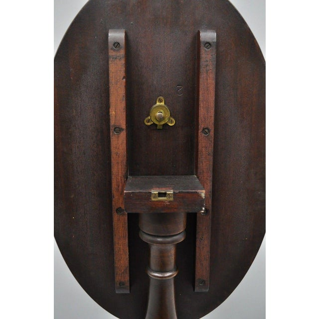 Early 20th Century Antique Mahogany Pinwheel Inlaid Oval Tilt Top End Table For Sale - Image 12 of 13