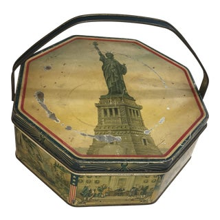 1940s Americana Biscuit Tin With Patriotic Scenes and the Statue of Liberty For Sale