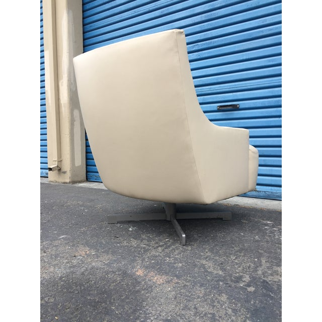 2010s Contemporary Barbara Barry & HBF Scoop Lounge Chair & Ottoman - a Pair For Sale - Image 5 of 11