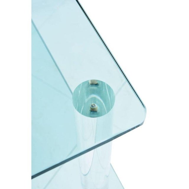 1970s Leon Rosen for Pace Collection Style Lucite Screw Leg and Glass Coffee Table For Sale - Image 5 of 7
