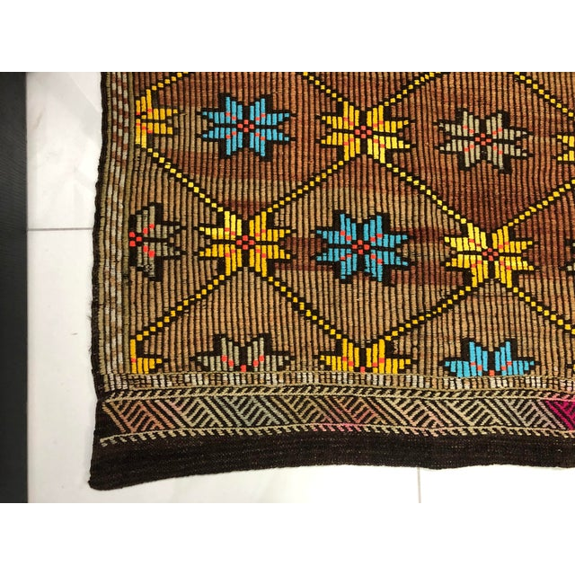 1960s Vintage Turkish Handwoven Traditional Decorative Kilim Rug- 5′3″ × 8′6″ For Sale - Image 10 of 11