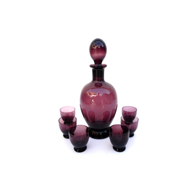 Mid-Century Amethyst Art Glass Party Barware Set || 7-Piece Italian Purple Glass Decanter + 6 Glasses For Sale - Image 12 of 13