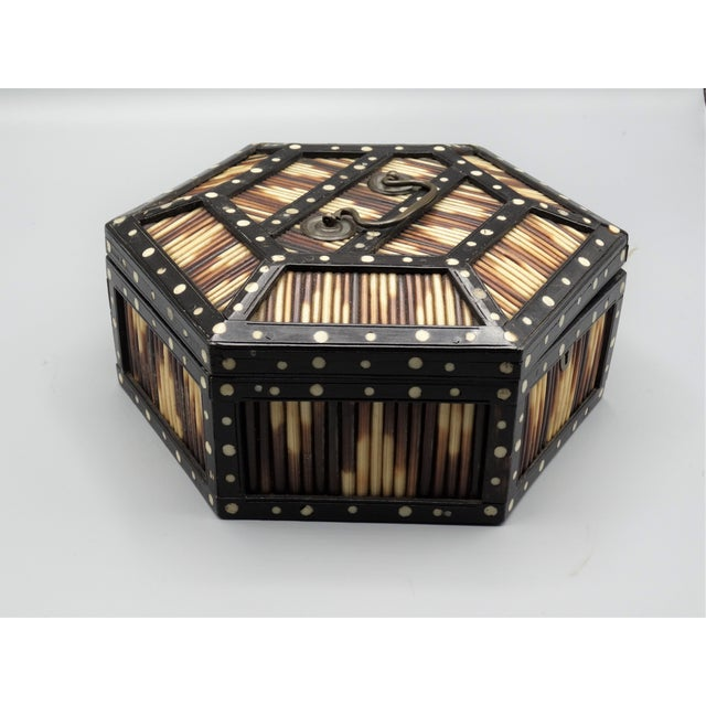 Antique Porcupine Quill Hexagonal Box For Sale - Image 4 of 7