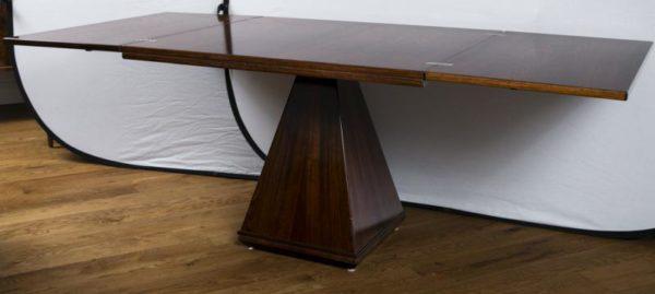 Italian Minimalist Extending Center Table   Image 3 Of 9